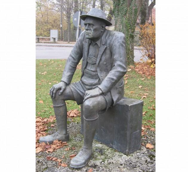 OSKAR M. GRAF - lebensgroßes Bronzedenkmal in Aufkirchen a. Starnberger See 1994