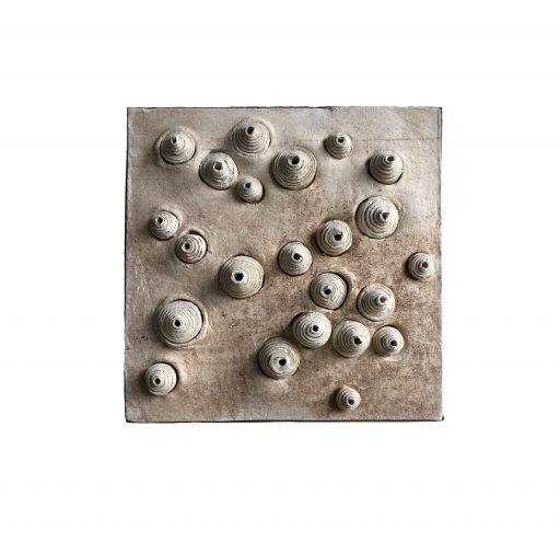 structures VI   - 2018 -   Keramik/Holz     45x45x3cm